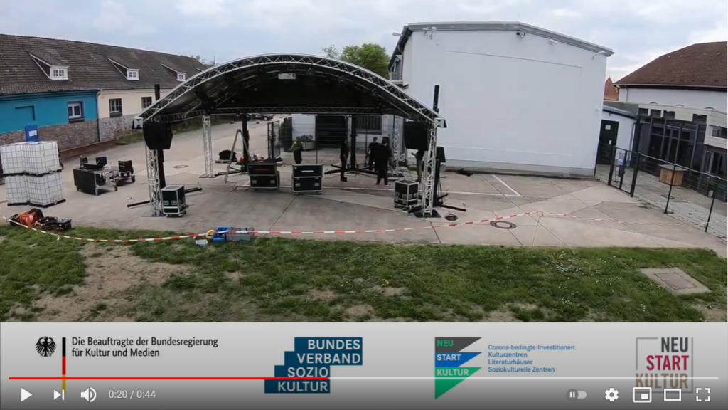 Video zum Probeaufbau der Open-Air-Bühne der CD-Kaserne